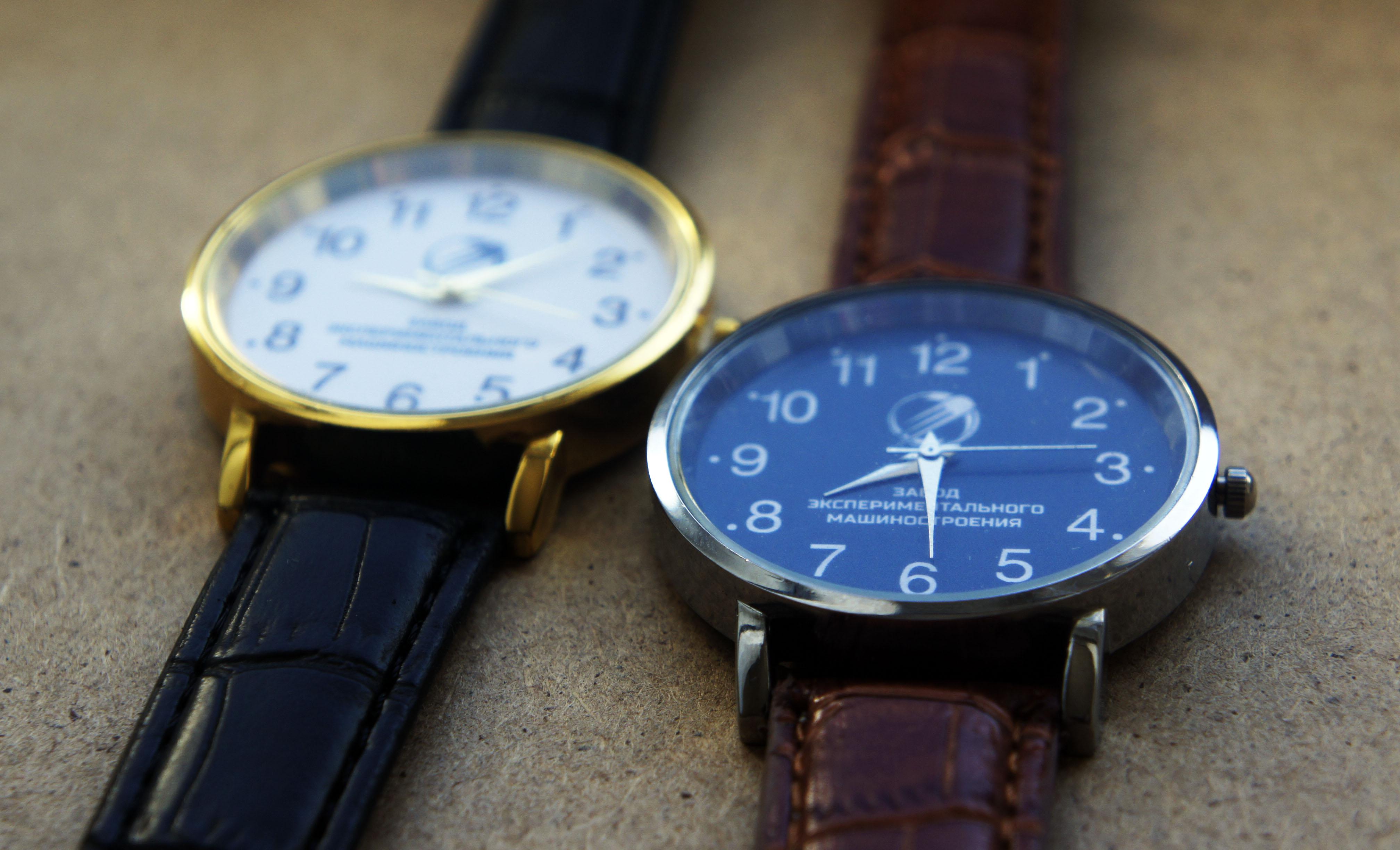 Часы наручные с логотипом и символикой на заказ от часового завода Идеал
